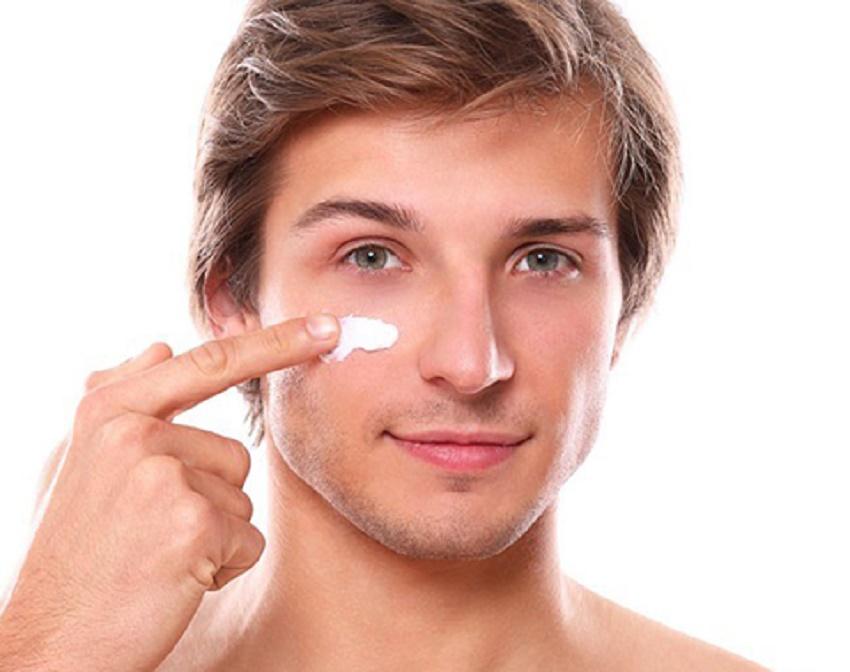 Dưỡng da là bước không thể bỏ qua khi chăm sóc da mặt cho nam