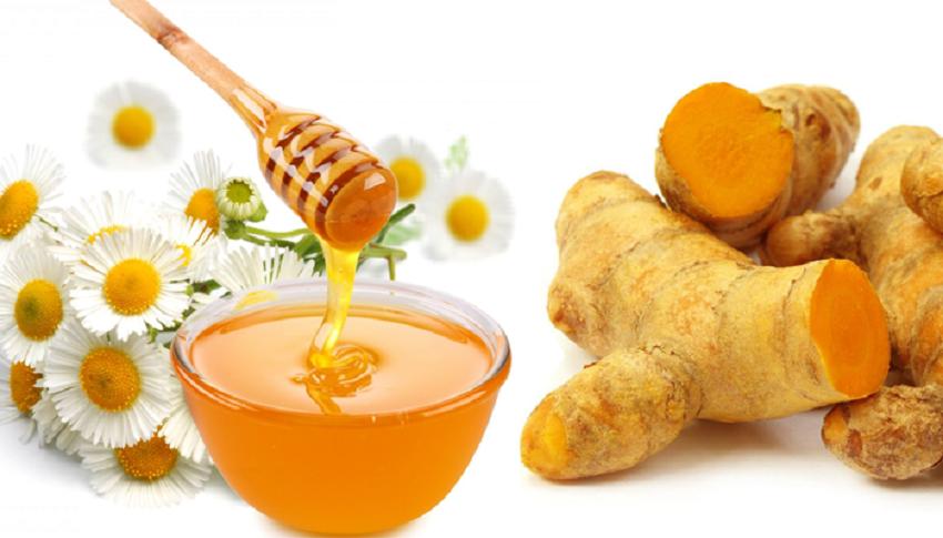 Làm kem tẩy da chết bằng nghệ tươi và mật ong