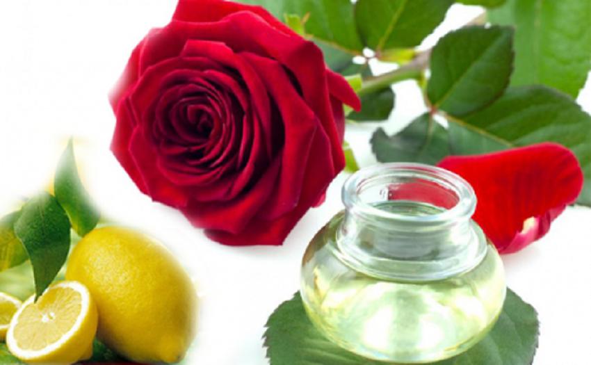 Kem dưỡng trắng da mặt từ nước cốt chanh và nước hoa hồng