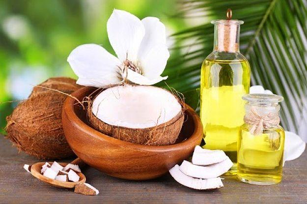 chăm sóc da mặt mùa đông bằng dầu dừa và dầu ô liu