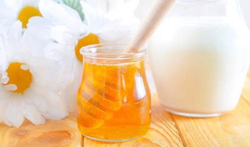 Cách làm kem trộn trắng da toàn thân tại nhà với mật ong và sữa chua