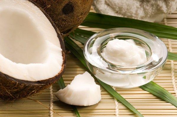 Cách tẩy da chết cho mặt từ thiên nhiên từ dầu dừa và muối