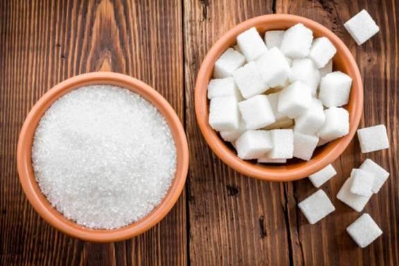 Tẩy da chết bằng đường và muối
