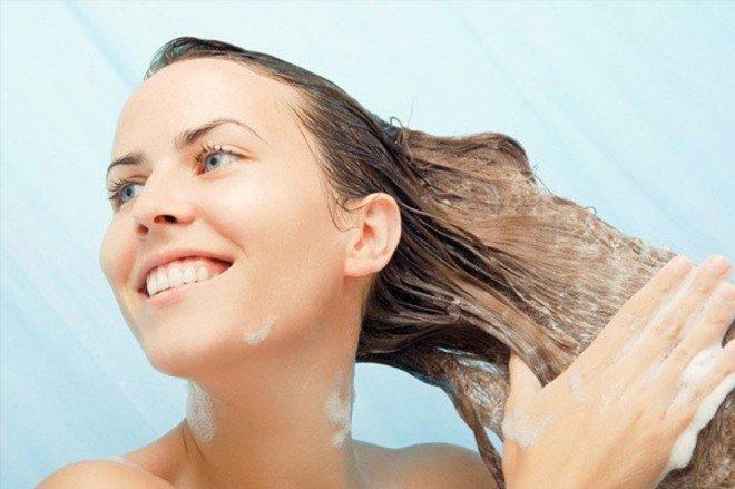 Chỉ dùng dầu xả cho phần ngọn tóc