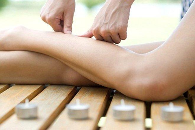 Massage thường xuyên cho bắp chân nhỏ lại