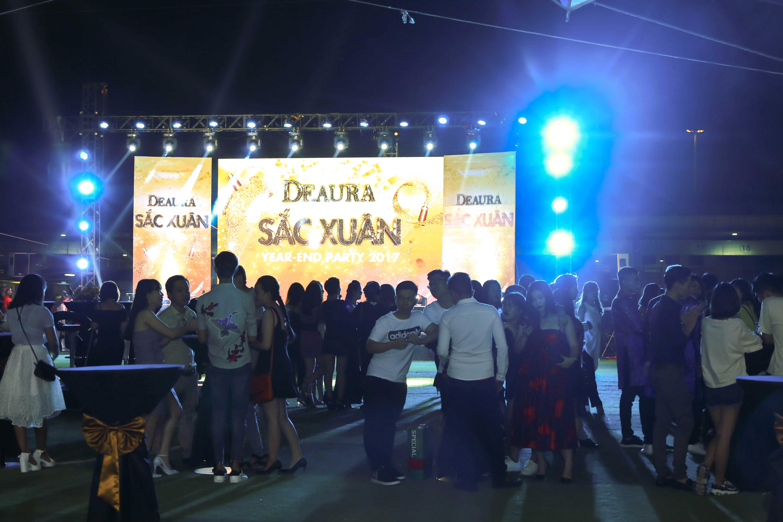Đêm hội thu hút sự tham gia của hàng trăm cán bộ nhân viên Venesa