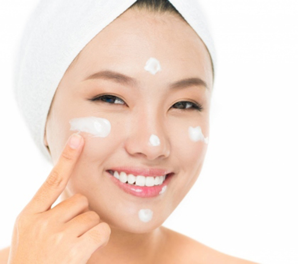Cách chăm sóc da mặt bị mụn với 6 bước cực đơn giản