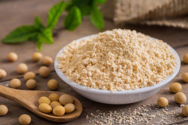 3 cách làm trắng da từ bột đậu nành