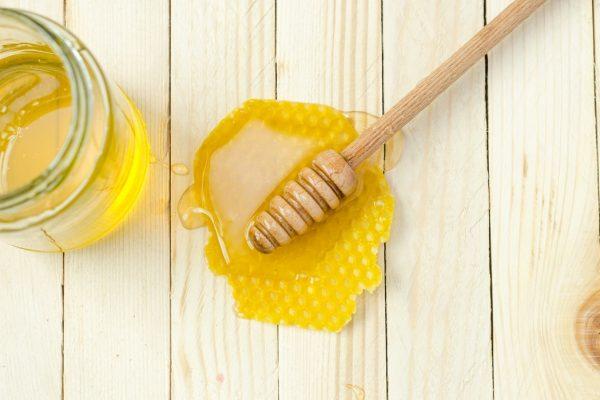 Top 3 cách trị mụn bọc bằng mật ong hiệu quả nhất hiện nay