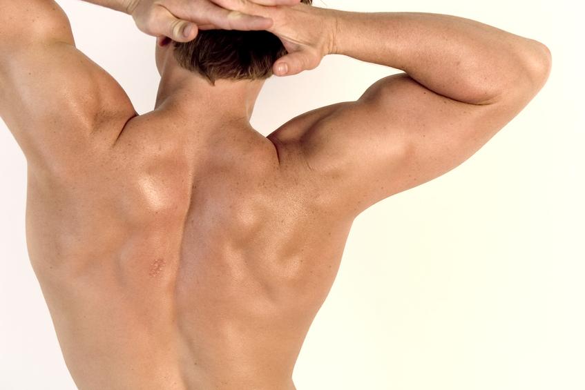 Cách trị mụn lưng ở nam giới