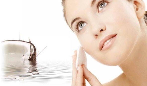 Điều trị thâm cuồng mắt hiệu quả với dầu dừa