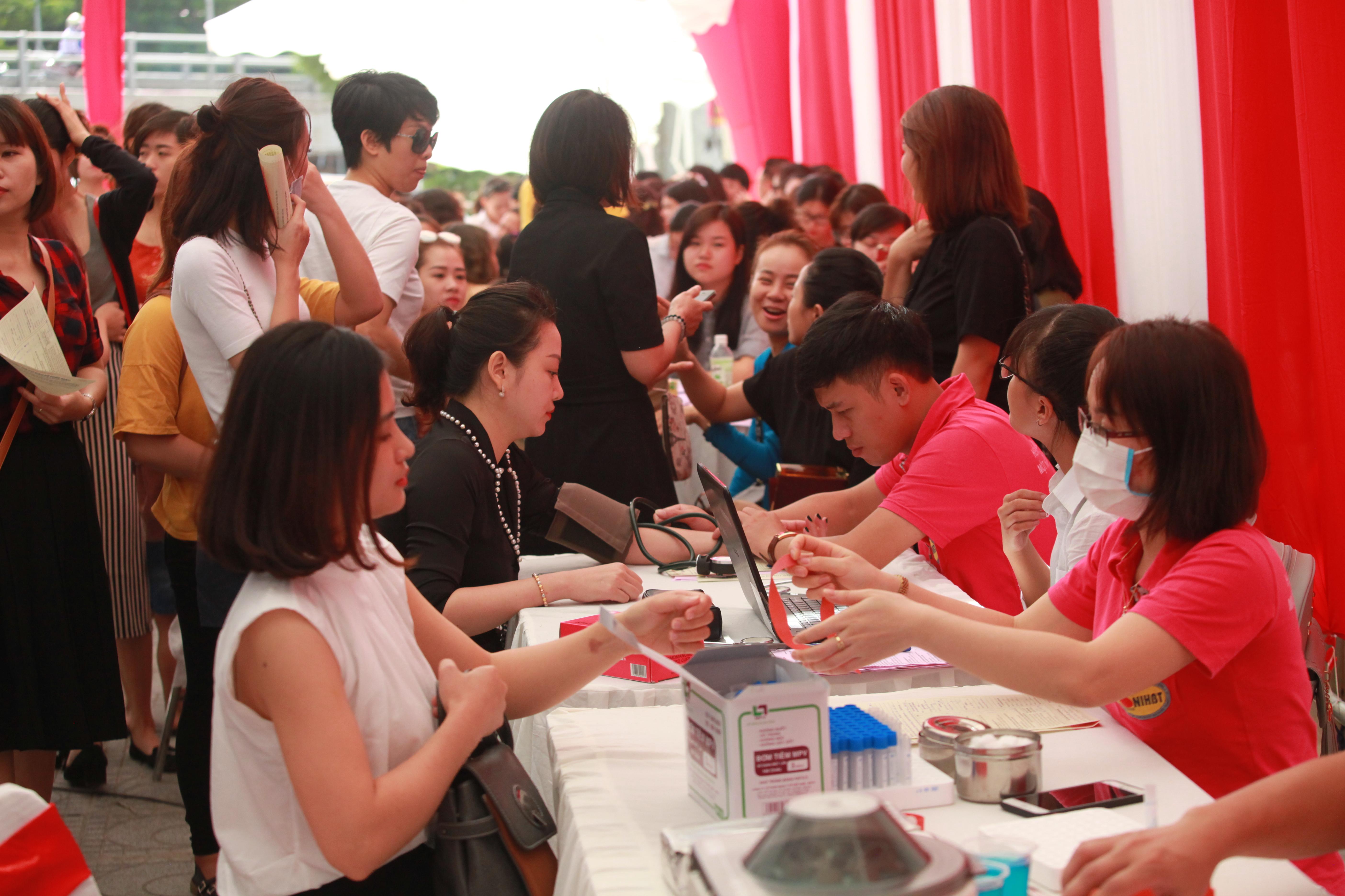Toàn thể CBNV Venesa tình nguyện tham gia hiến máu nhân đạo