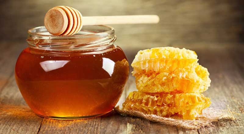 Mật ong – nguyên liệu tự nhiên chống lão hóa da tuyệt vời