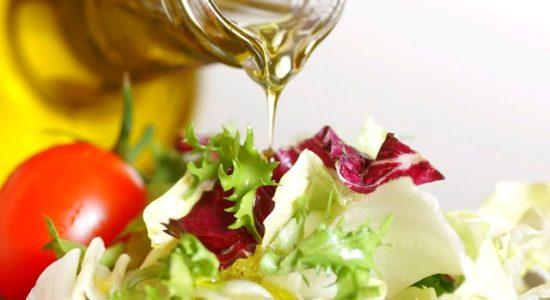 Dầu oliu-thực phẩm giúp trẻ lâu