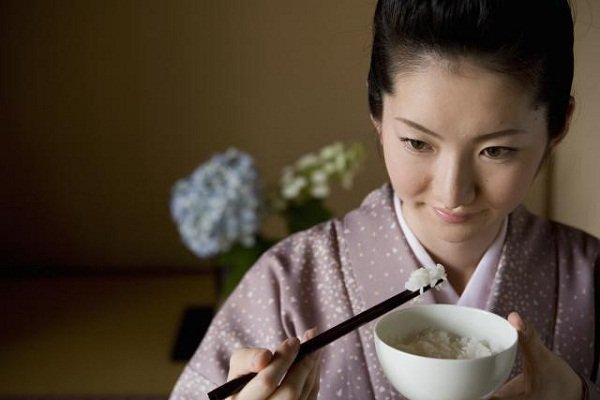 Ăn uống từ tốn-bí quyết trẻ lâu của phụ nữ Nhật Bản