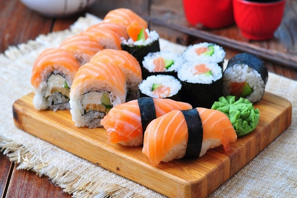 Ăn cá-bí quyết trẻ lâu của phụ nữ Nhật Bản