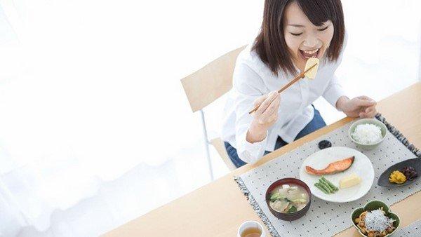 Ăn chậm-bí quyết trẻ lâu của phụ nữ Nhật