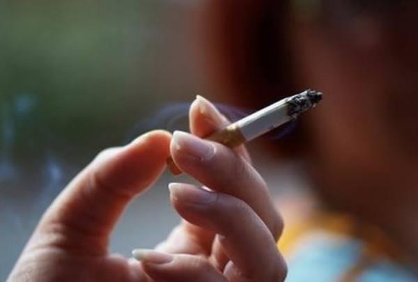 Hút thuốc là nguyên nhân gây lão hóa da