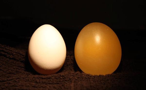 Công dụng làm đẹp của trứng gà ngâm giấm