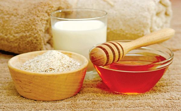 Tẩy tế bào chết bằng bột yến mạch, mật ong và sữa tươi