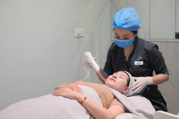 Công nghệ Darsonval Venesa – Chìa khóa cho làn da viêm mụn