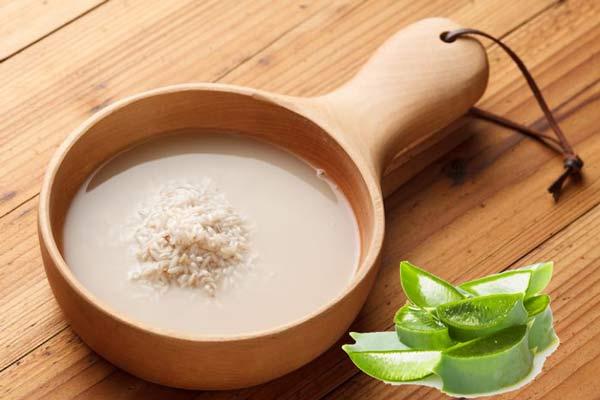 Mặt nạ trị thâm mụn bằng nha đam và nước vo gạo
