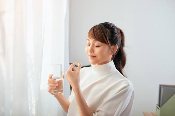 Da mụn nên uống vitamin gì và 6 lựa chọn dành cho bạn!