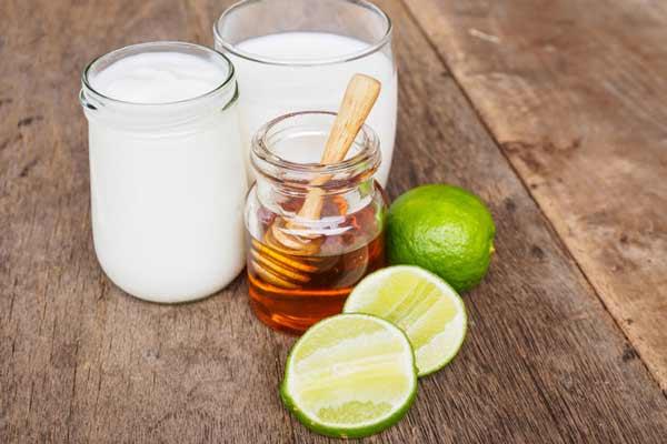 6 cách đắp mặt nạ sữa chua không đường với mật ong giúp da đẹp bất ngờ đón tết!